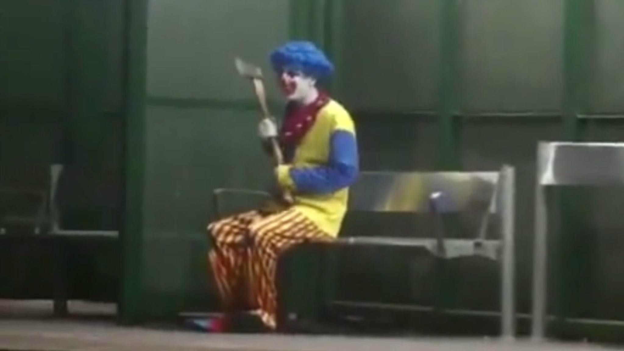 Verwonderlijk Enge clowns jagen Fransen de stuipen op het lijf | NOS EY-67