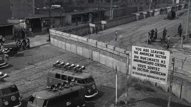 De berlijnse muur een onneembare vesting nos - Muur van de ingang ...