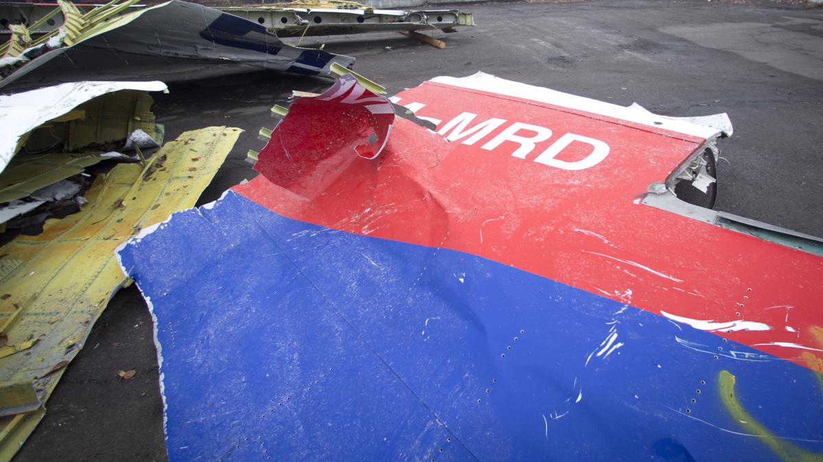 Wrakstukken MH17 onderweg naar Charkov