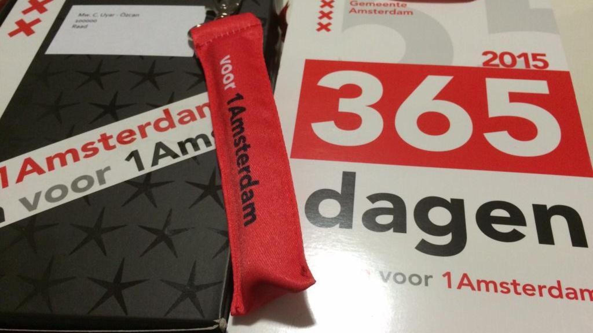 Ambtenaren Amsterdam Ontevreden Met Kerstpakket Nos