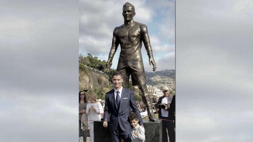 Ronaldo onthult eigen standbeeld nos - Beeld het meisje van ...