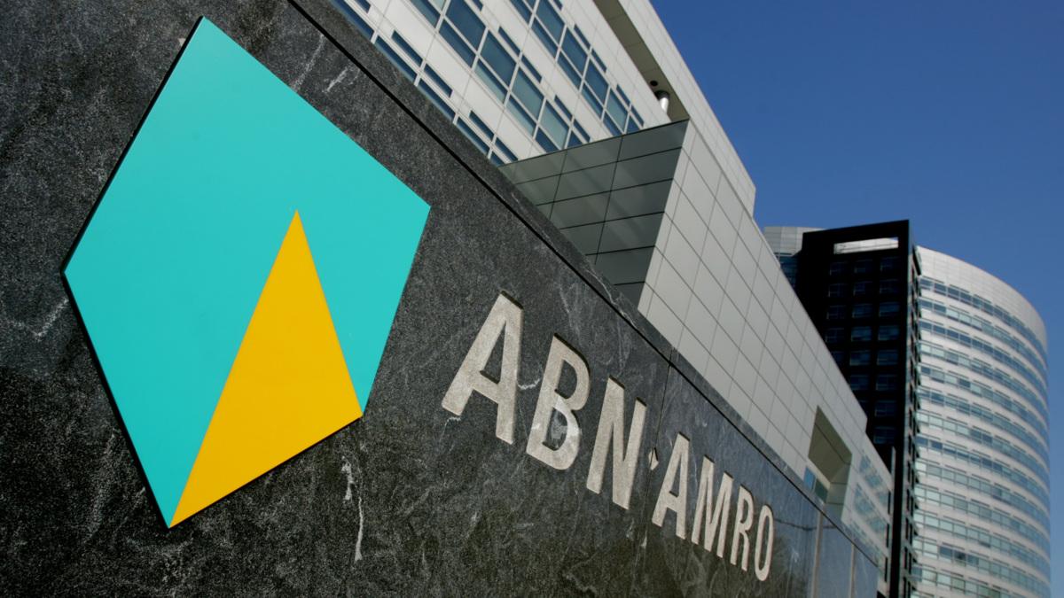 ABN-top ziet af van loonsverhoging
