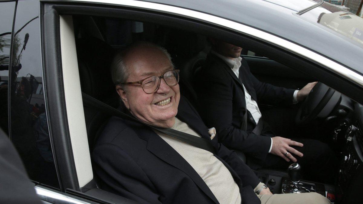 Front National schorst Jean-Marie Le Pen