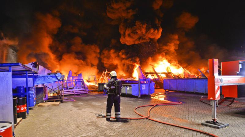 Grote Brand Bij Busbedrijf In Valkenswaard