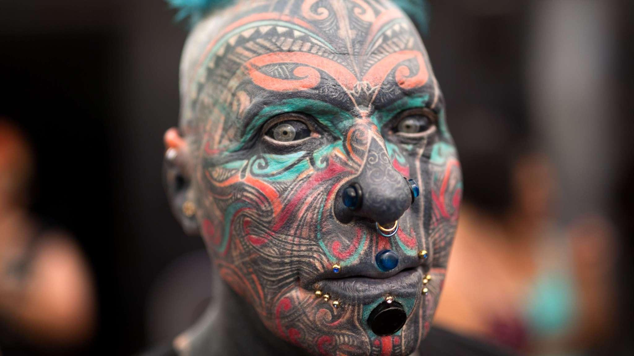 Tattoos Piercings En Vleeshaken Op Festival In Tel Aviv Nos