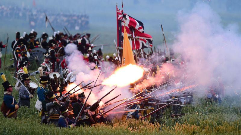 Video: Napoleons aambeien tijdens de Slag bij Waterloo | NOS