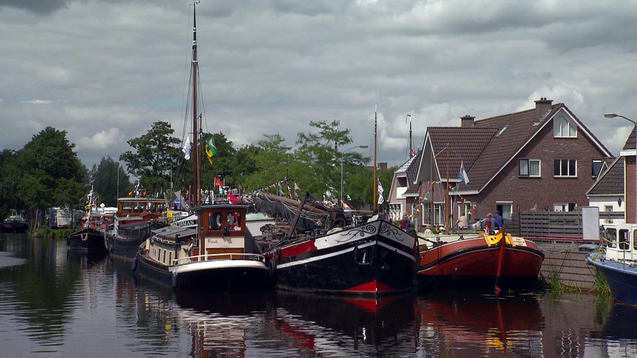 132 oude schepen in Musselkanaal | NOS