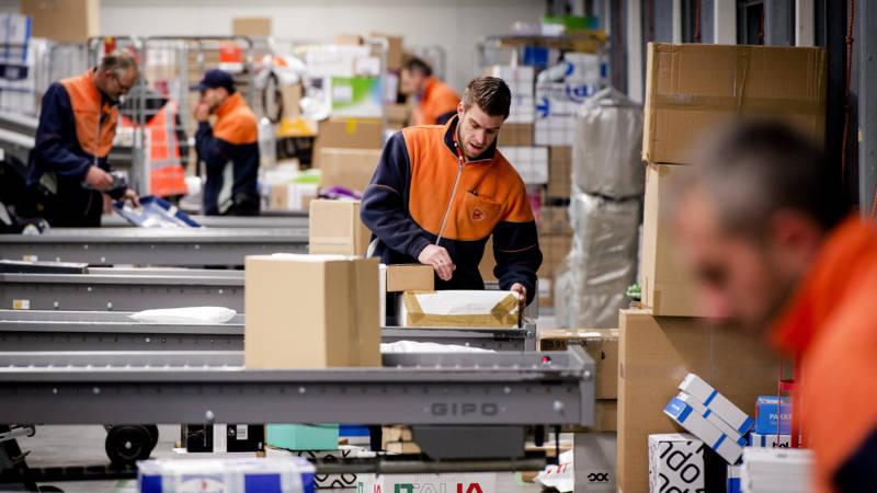 PostNL moet ophouden met 'dwarsbomen concurrentie'