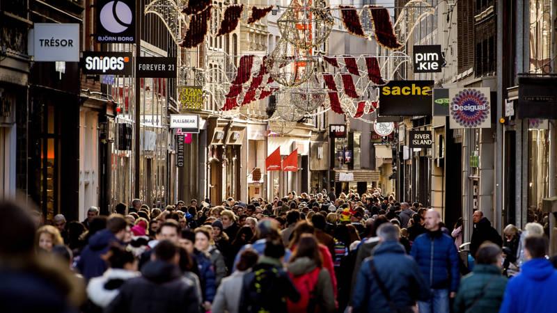 Kalverstraat bijna twee keer zo duur als Lijnbaan   NOS