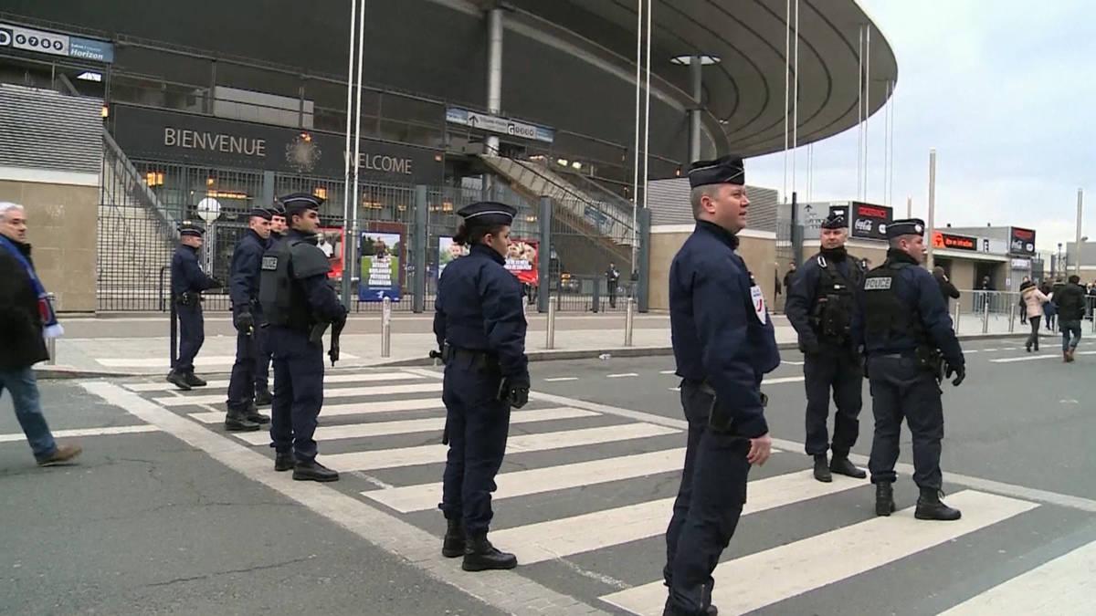 Eerste wedstrijd in Stade de France sinds aanslagen Parijs