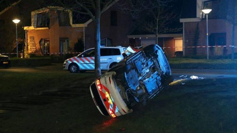 Man op de vlucht in Hoofddorp na aanrijding met politie.