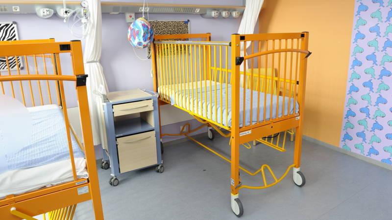 Kamer wil geboorteakte voor doodgeboren kinderen nos - Kleedkamer voor mansard kamer ...