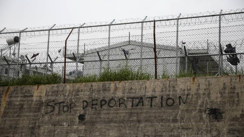 Artsen zonder grenzen trekt zich terug uit 39 gevangenis 39 op lesbos nos - Strand zwembad zonder grenzen ...