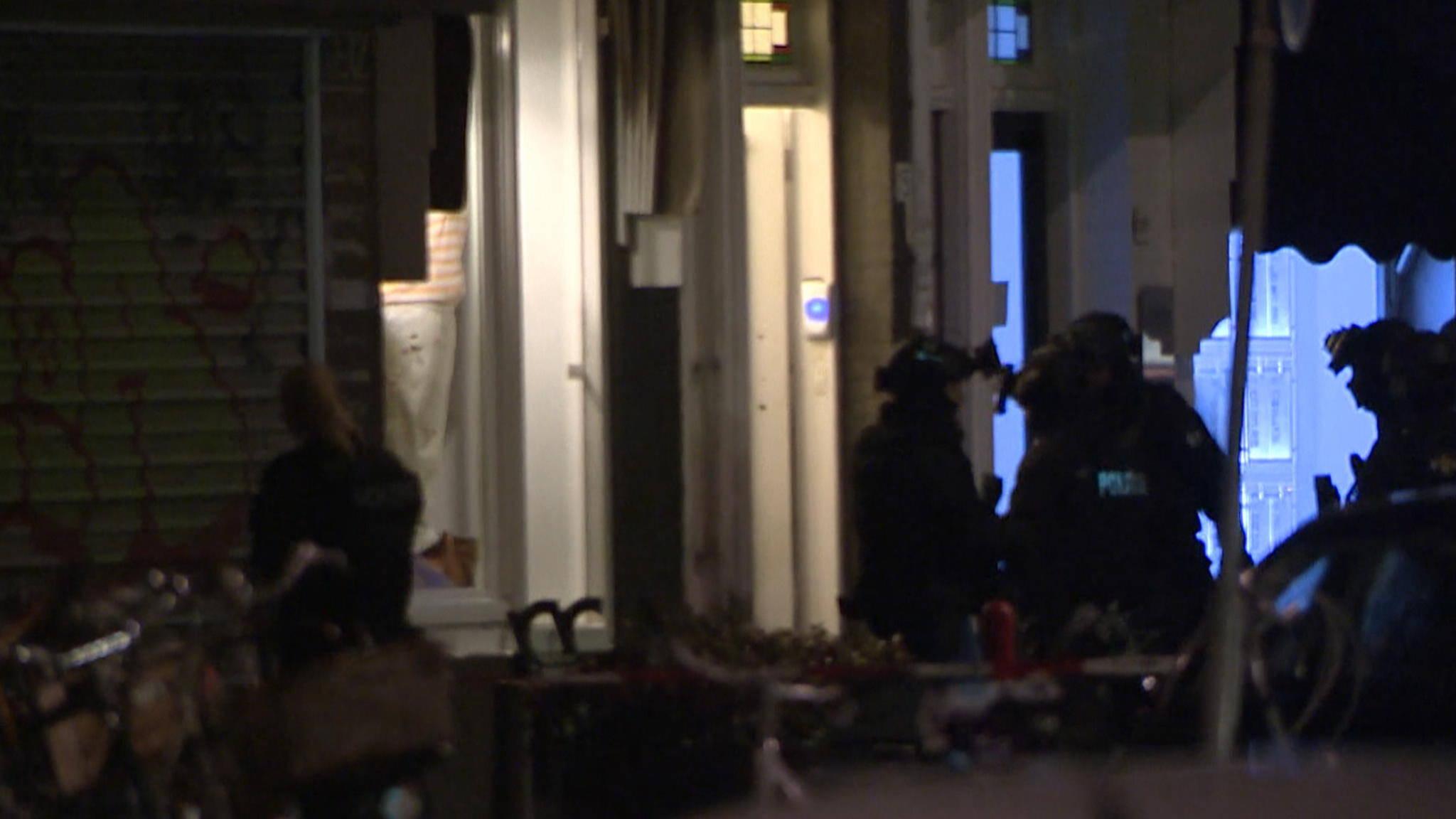Landelijk Parket Rotterdam : Geen munitie of explosieven gevonden bij huiszoeking rotterdam nos