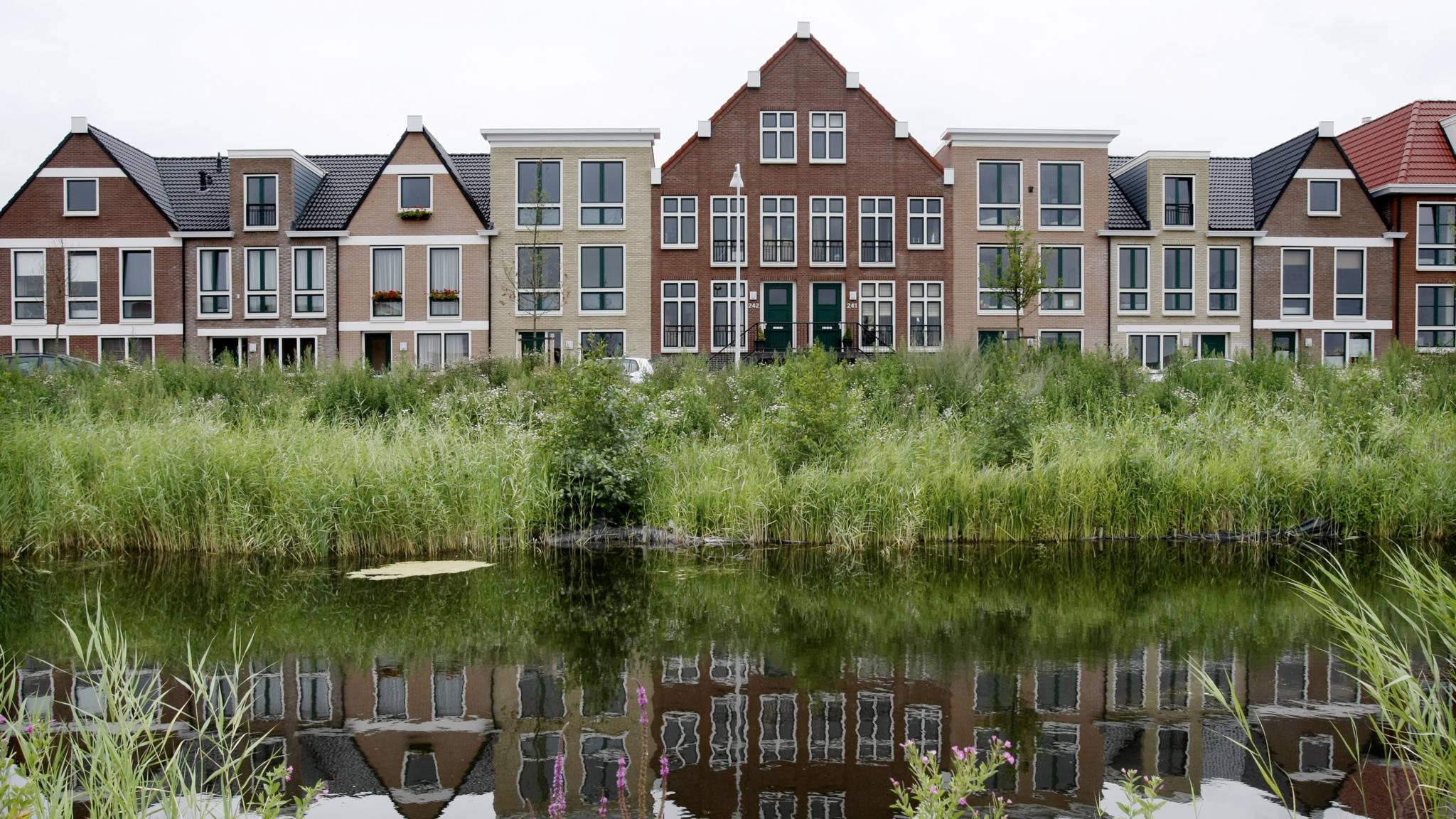 Rijtjeshuizen Veel Verkocht In Nederland Nos