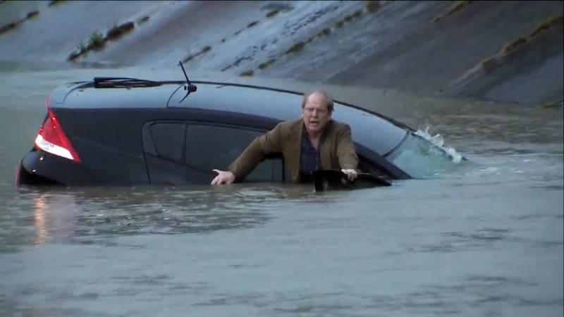 Video: reddingen bij dodelijke overstromingen in Texas | NOS