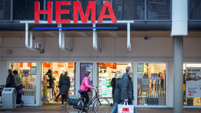 Hema-medewerker overlijdt na ongeluk met hoogwerker.