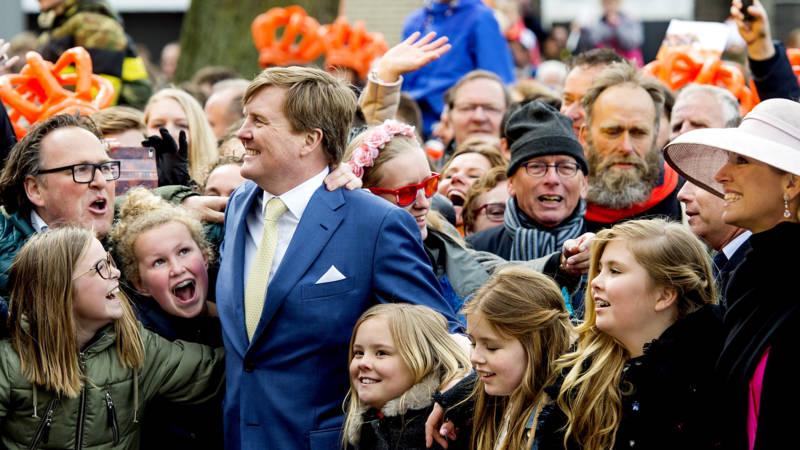 Koning Viert Verjaardag In Tilburg Nos