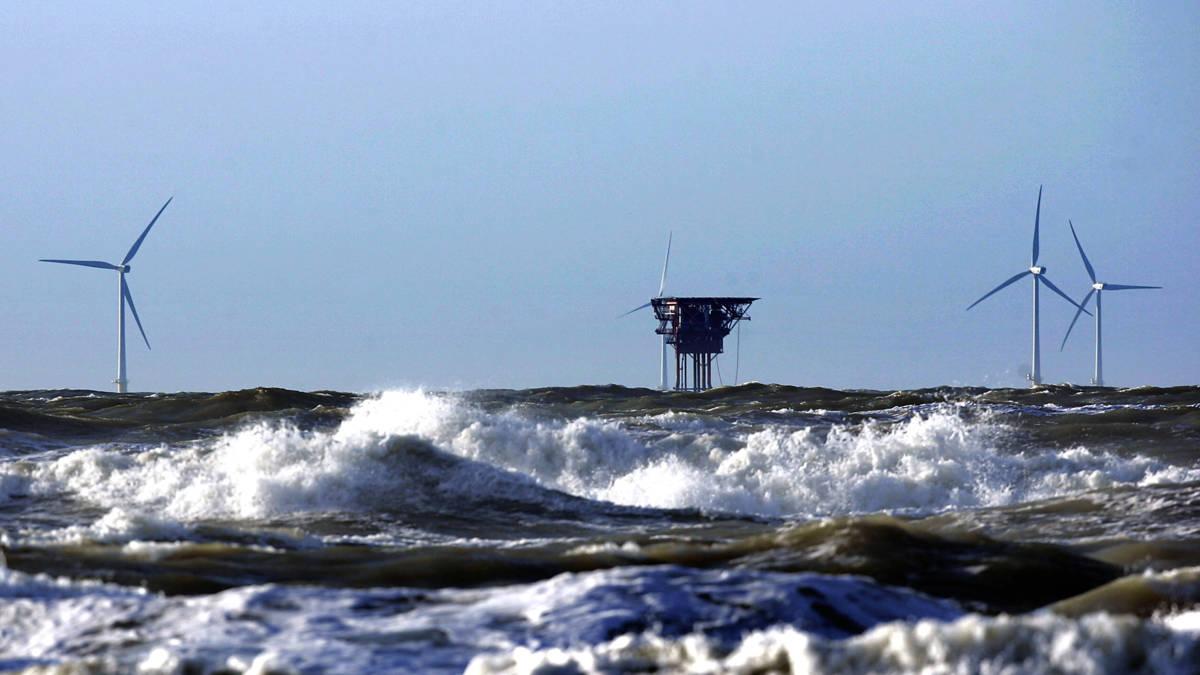 'Gebruik overbodige Noordzeeplatforms voor opslag windenergie'