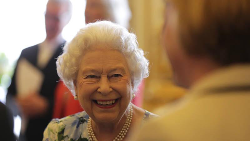 60 jarig jubileum koningin elisabeth Weer een mijlpaal voor Elizabeth: 65 jaar op de troon | NOS 60 jarig jubileum koningin elisabeth