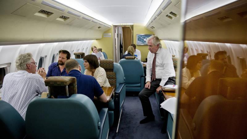 Wordt het nieuwe regeringsvliegtuig een boeing of een for Interieur 737