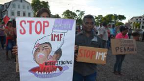 Bekijk details van IMF akkoord met herstelplan regering-Bouterse