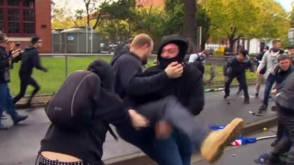 Bekijk details van Rellen in Australië over immigratie