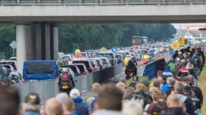 Bekijk details van Rjkswaterstaat: volle parkeerplaatsen oorzaak files TT
