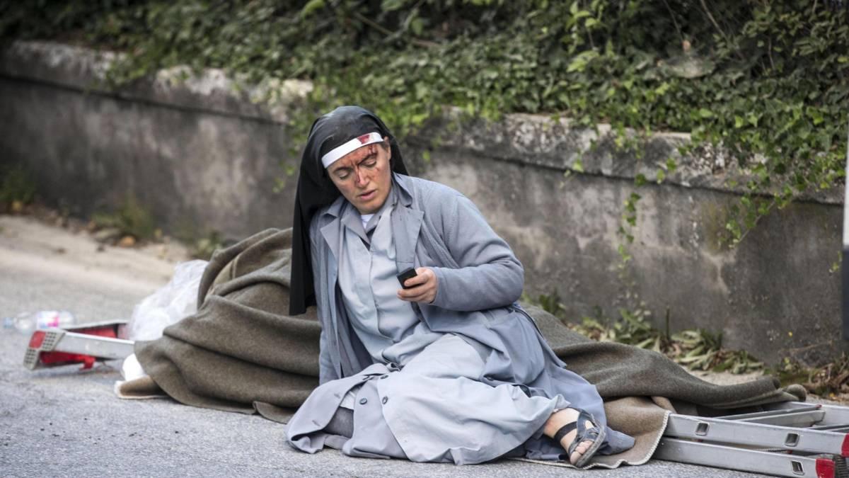 38 doden bij beving Italië, premier Rutte biedt hulp aan