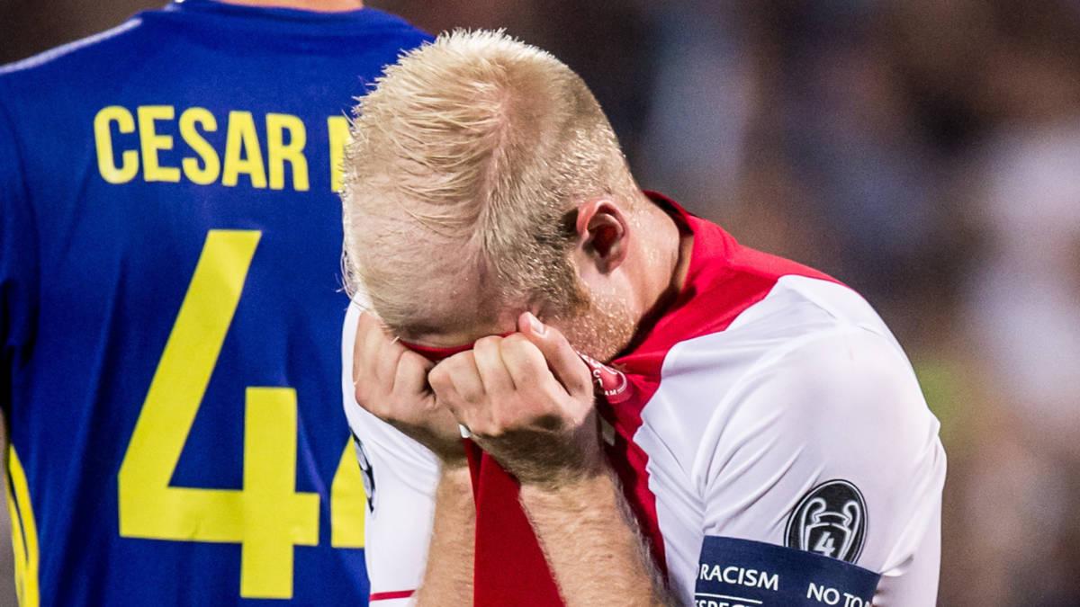 Geen CL voor Ajax na afstraffing in Rusland