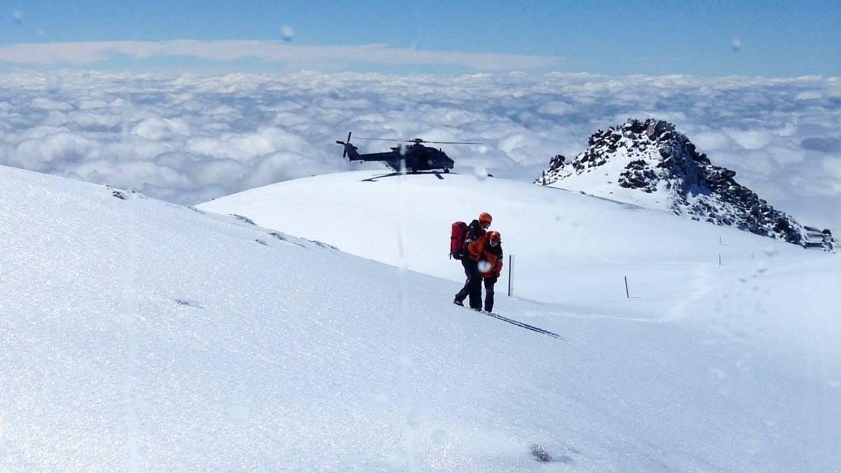 'Via mijn voetstappen in de sneeuw keerde ik terug naar de hut'