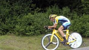 Bekijk details van 'Lance Armstrong bedroog in systeem dat uit bedrog bestond'
