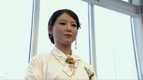 Video: Jiajia lijkt een mens maar is toch echt robot