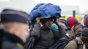 Ruim tweeduizend mensen vrijwillig uit Calais vertrokken