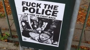 Bekijk details van Posters in Den Haag: Fuck the police