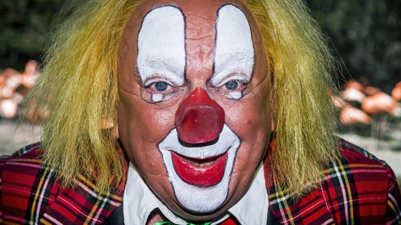 Clown bassie popov kon alles maar wel in het russisch nos for Clown schminken bilder