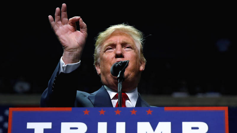 Trump-event in swing state Pennsylvania: Hillary-haat en ...