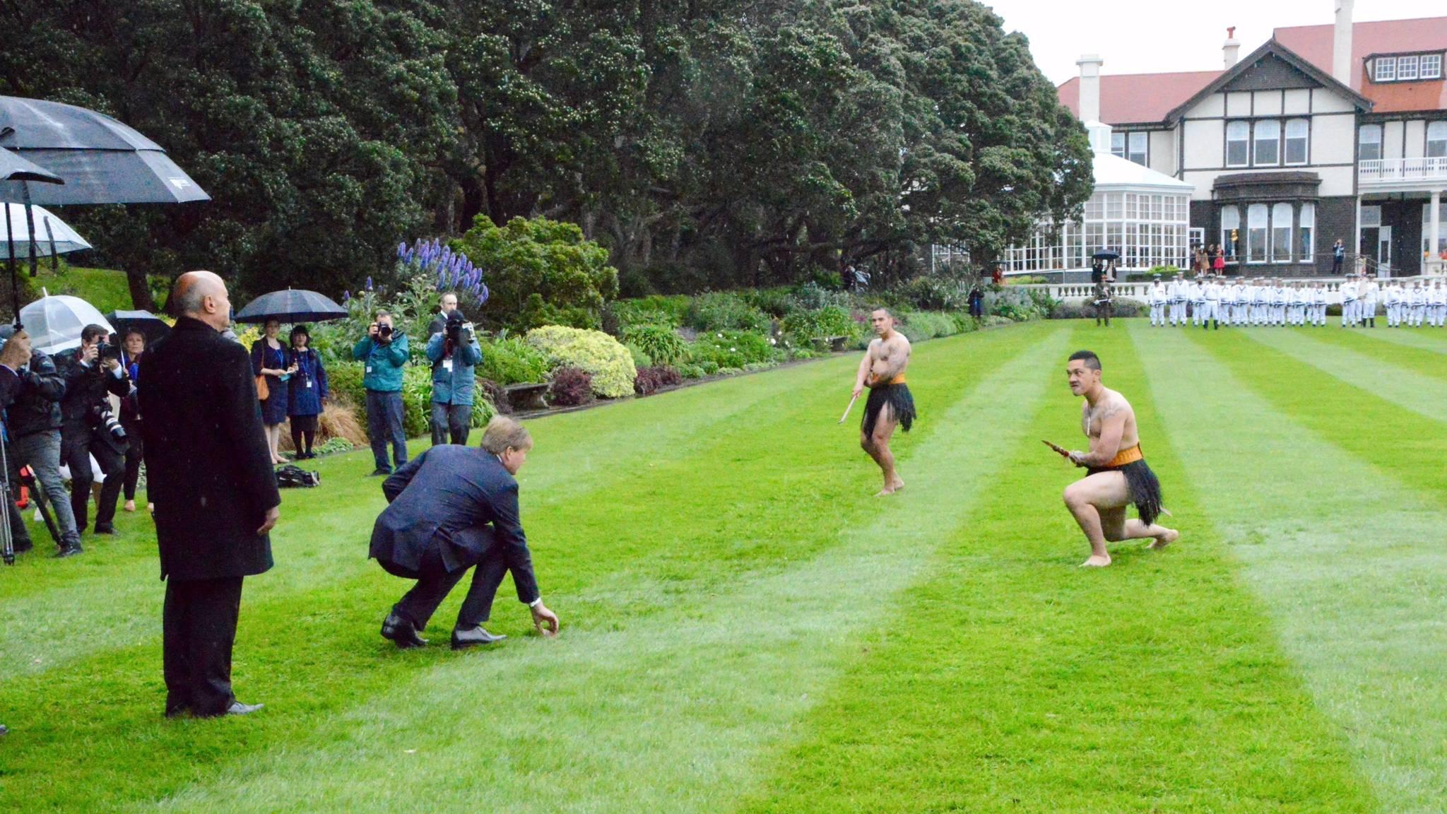 Nieuw Zeeland Facebook: Nieuw-Zeeland Ontvangt Koningspaar Met Maori-ceremonie