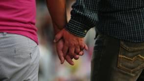 Bekijk details van Kind krijgen voor homokoppel 'zwaar en emotioneel traject'