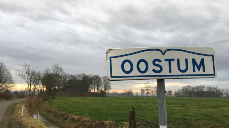Hoe de enige brievenbus verdween uit Oostum - NOS