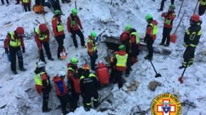 Dodental Italiaans lawinehotel stijgt naar 15, nog 14 vermisten