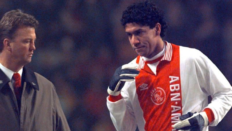 Ajax en Brazilianen: alleen Maxwell schot in de roos | NOS Felipe Luis Ajax