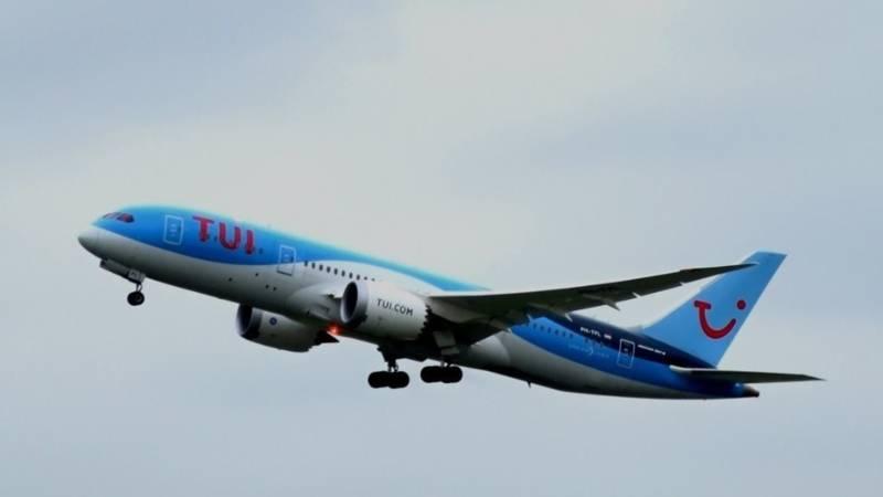noodoproep tui vliegtuig wegens brandstoftekort nos