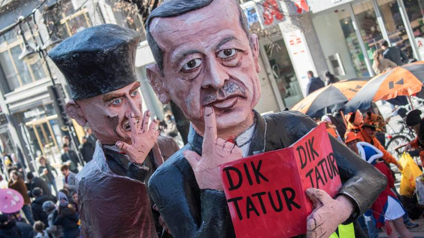 Erdogan on carnival float, AFP photo