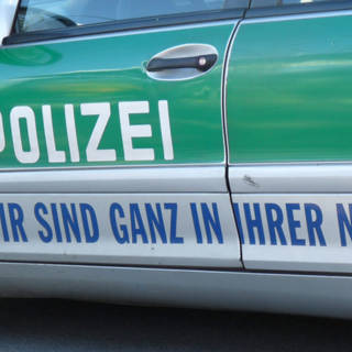 Bekijk details van Eerstehulpverleners doodgereden op Duitse snelweg