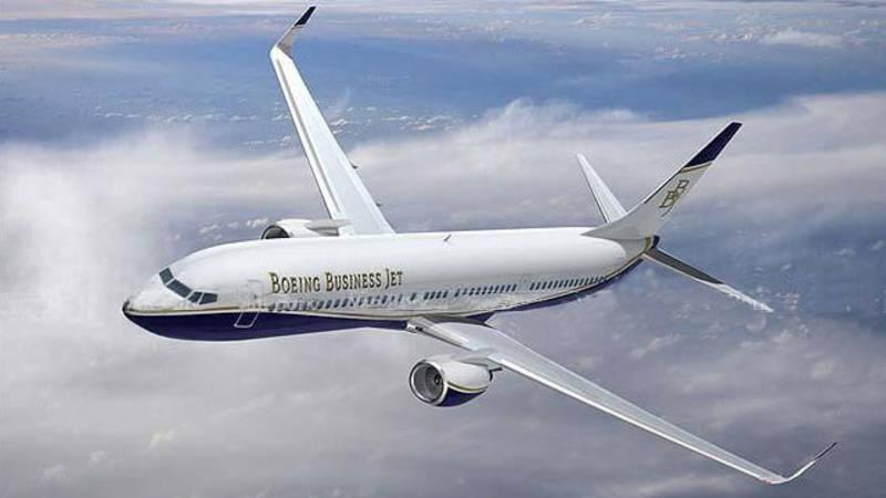 Het nieuwe regeringsvliegtuig: uit de VS, zonder naam van de koning ...