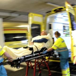 FNV waarschuwt voor ambulancetekort op Koningsdag