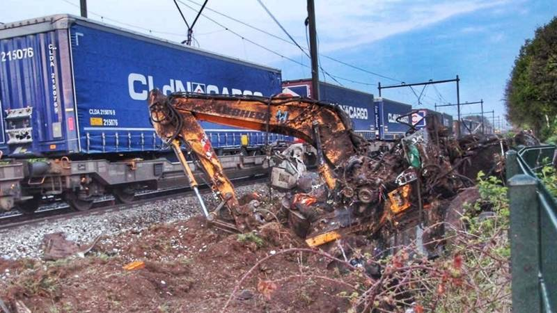 Dagen geen treinen door botsing op spoor bij Deurne.