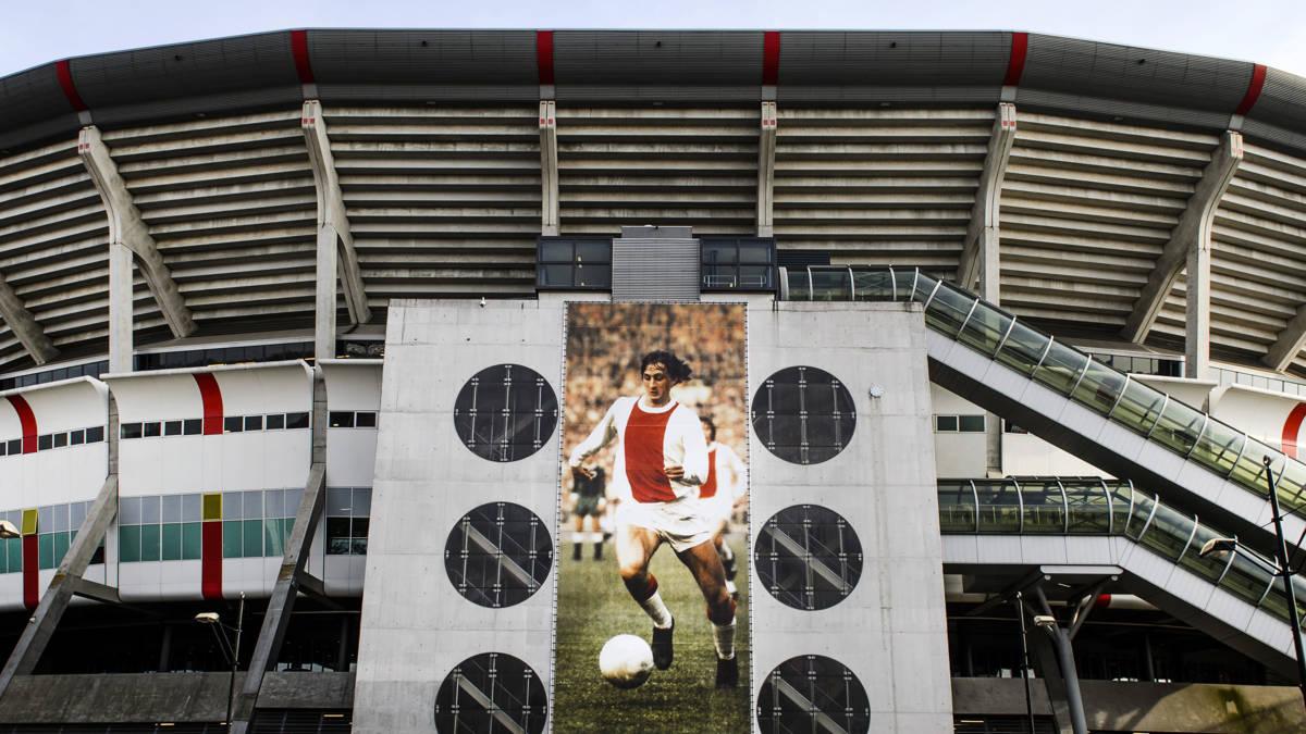 Abe Lenstra, Johan Cruijff: clubs zijn zuinig met vernoemingen