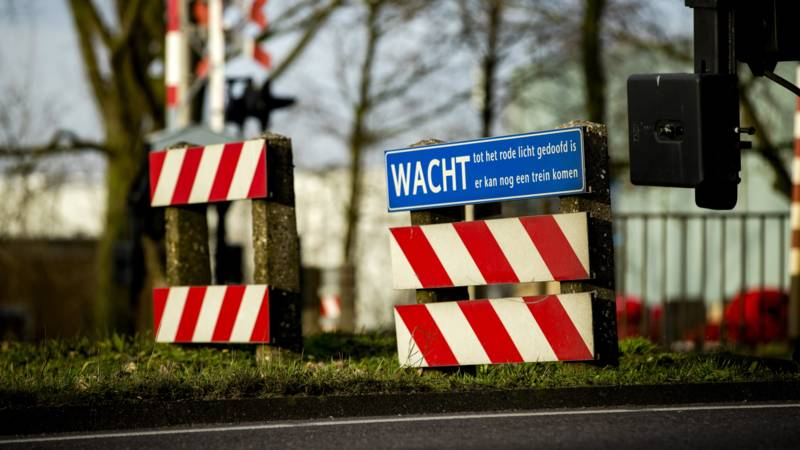 Dode door botsing auto-trein in Velp.